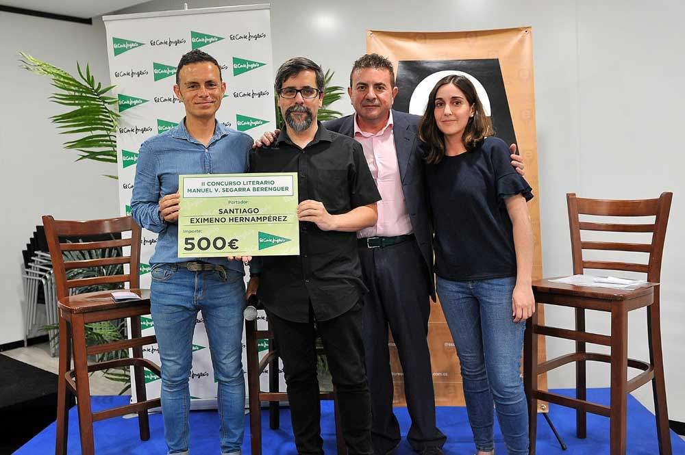 Entrega del premio del II Concurso Literario