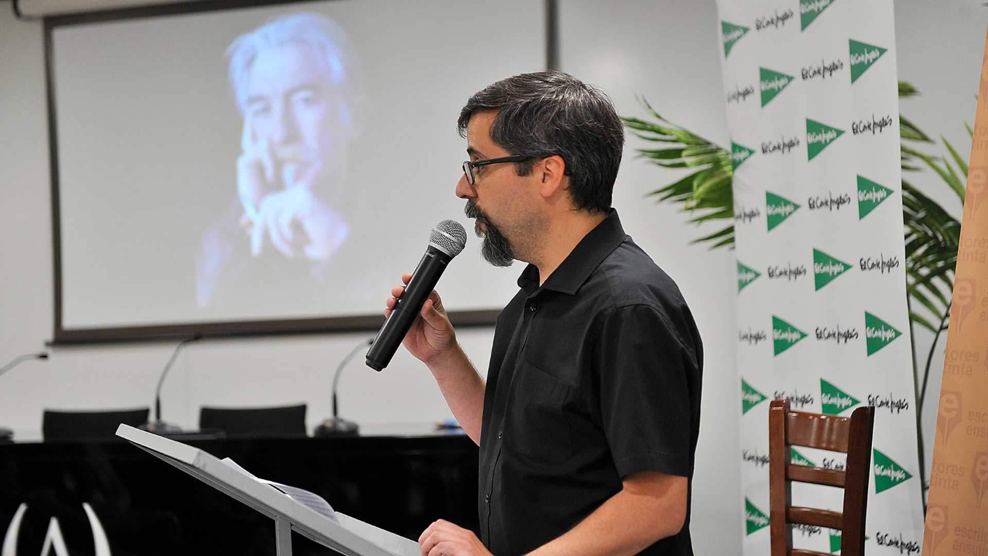 Santiago Eximeno ganador concurso literario