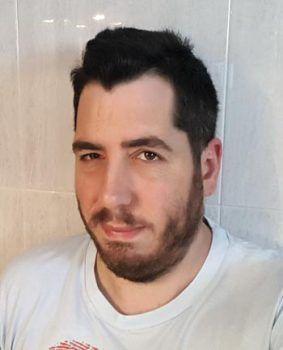 Álex J. Román